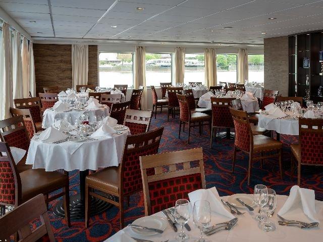MS Crucestar **** - restaurant