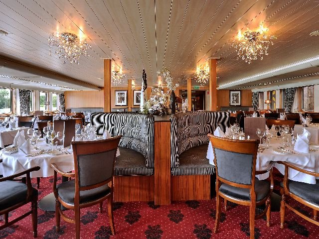 MS Crucevita ***** - restaurant