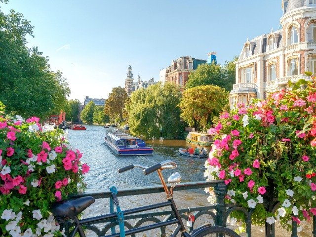Van Amsterdam naar Bremen - Amsterdam