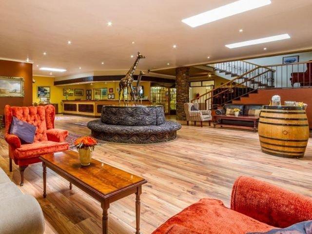 hotel numbi - lobby