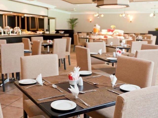 oudtshoorn inn hotel - restaurant