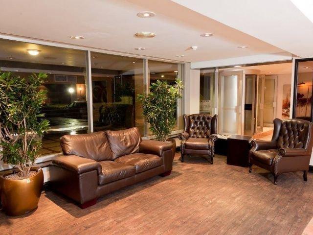 oudtshoorn inn hotel - lobby