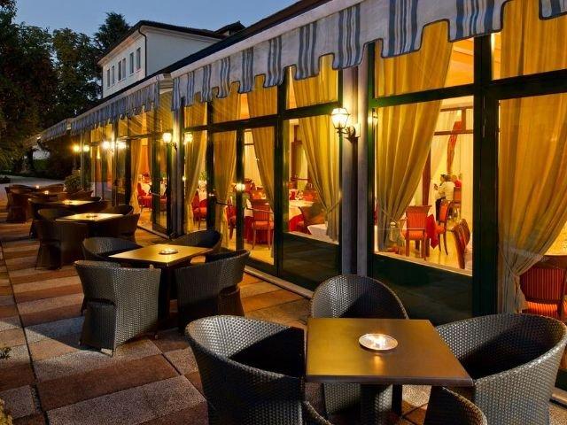 Treviso - Villa Pace Park Hotel Bolognese **** - terras