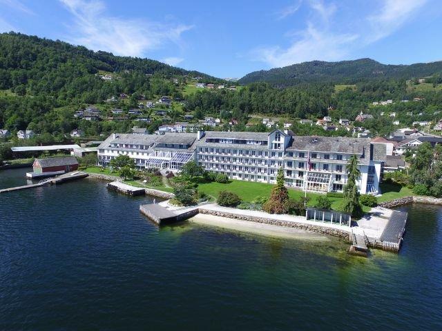 Noorwegen - Ulvik - Brakanes Hotel - exterieur