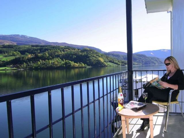 Noorwegen - Ulvik - Brakanes Hotel - uitzicht voorbeeldkamer