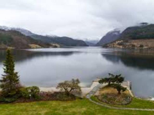 Noorwegen - Ulvik - Brakanes Hotel - uitzicht vanuit restaurant