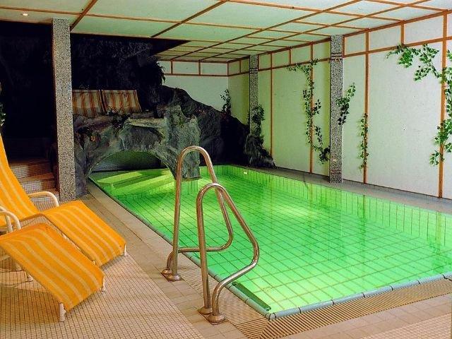 Bad Staffelstein - Hotel Sonnenblick *** - binnenzwembad