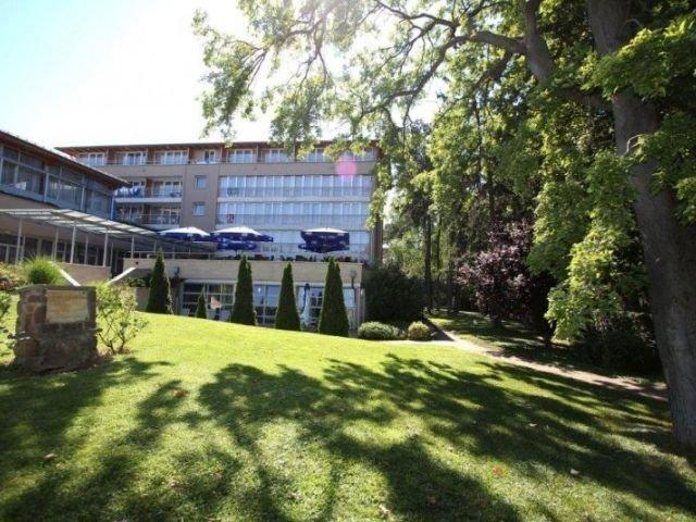 Siófok - Hotel Sungarden **** - tuin & terras
