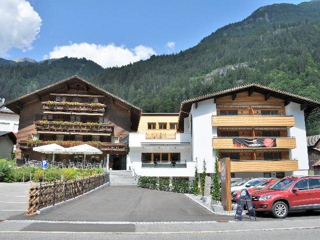 St. Gallenkirch - Hotel Alpenfeuer Montafon ***+ - aanzicht