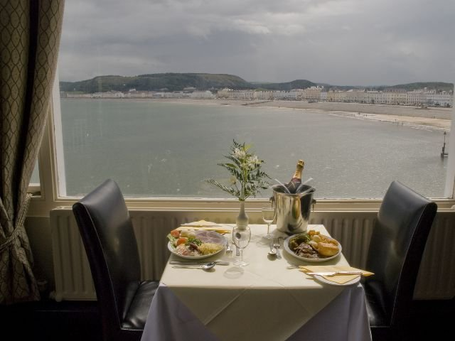 Wales - Llandudno - The Grand Hotel - Restaurant