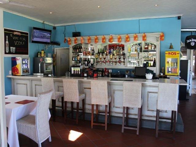 the dunes hotel & resort - bar
