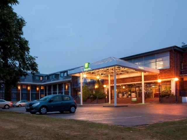 Groot Brittannië - Luton - Holiday Inn Luton South - exterieur