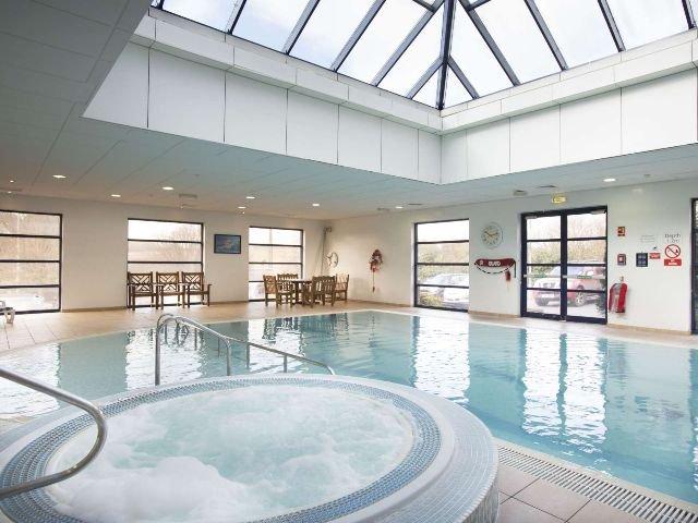 Groot Brittannië - Luton - Holiday Inn Luton South -  zwembad