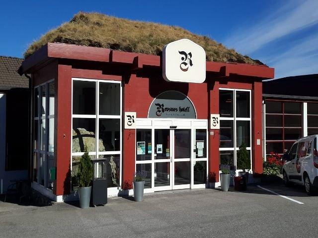 Noorwegen - Setesdal - Revsnes Hotel Byglandsfjord - exterieur