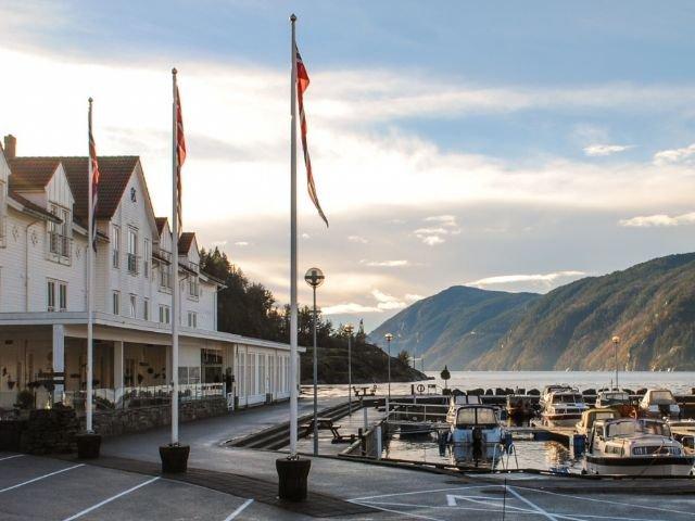 Noorwegen - Ryfylke - Ryfylke Fjord hotel - exterieur