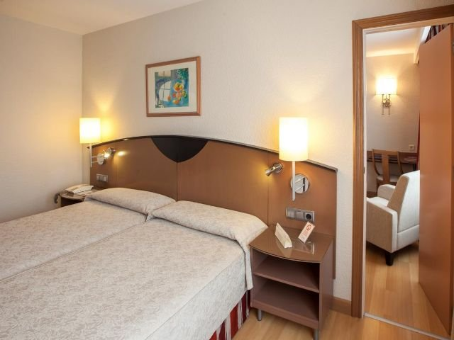Spanje - Pamploa - Hotel Albret - voorbeeldkamer