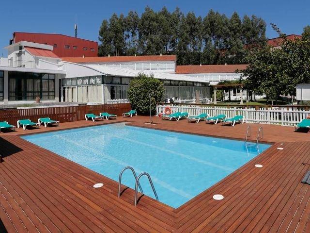 Spanje - Santiago de Compostela - Hotel Congreso - buitenzwembad