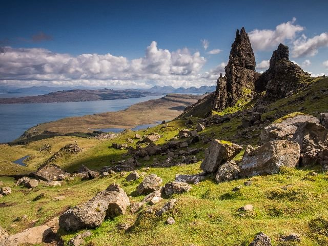 Groot - Brittanië - Schotland - Isle of Skye - The old Man of Storr