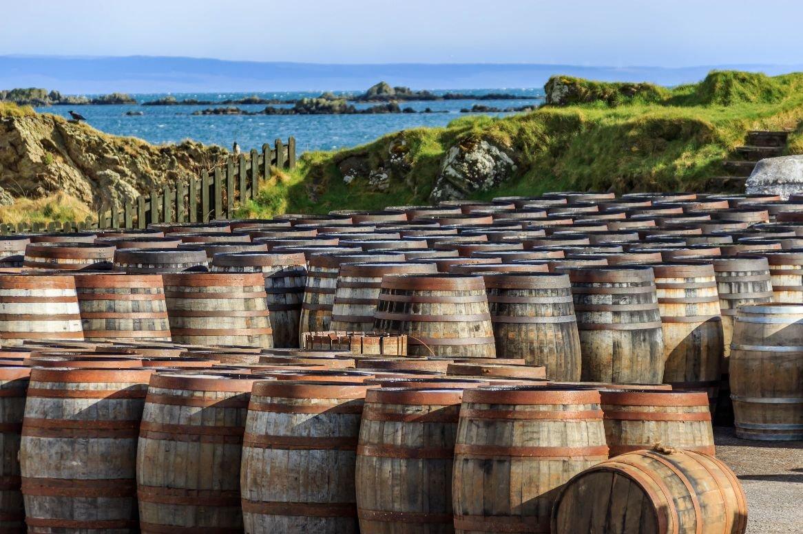 Vliegrondreis Whisky's van Arran, Islay & Skye