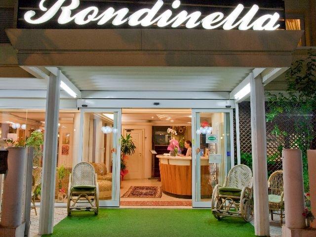 Rimini - Hotel Rondinella e Viola *** - entree