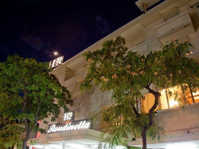 Rimini - Hotel Rondinella e Viola *** - hotelaanzicht