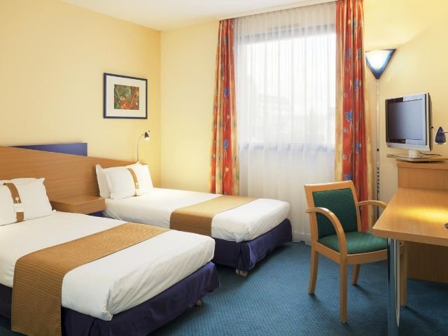 Holiday Inn Express Arras***- twin room