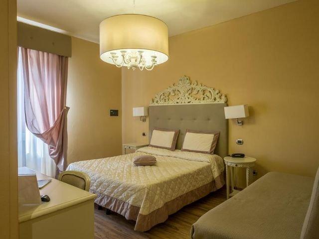 Montecatini Terme - Hotel Manzoni **** - voorbeeldkamer