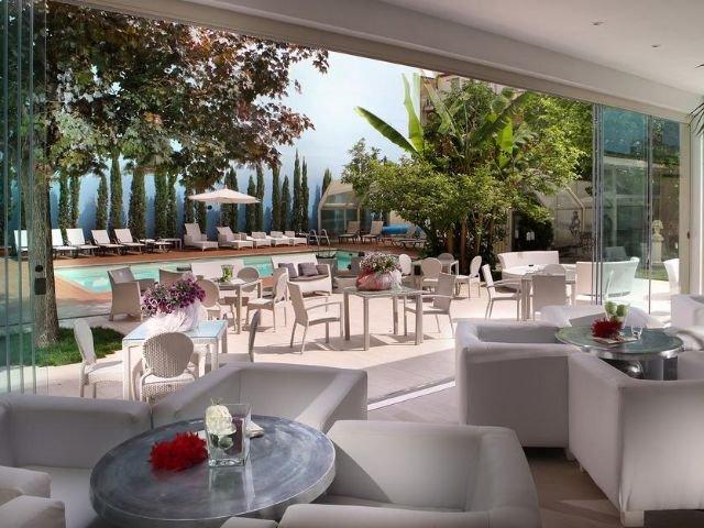 Montecatini Terme - Hotel Manzoni **** - lounge - terras