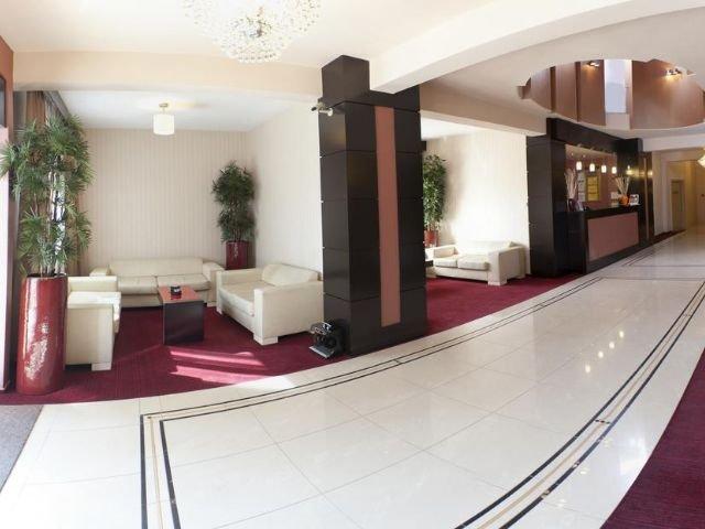 Boekarest - Hotel RIN Central **** - receptie - lounge
