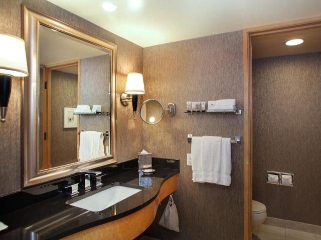 Pan Pacific Hotel - badkamer