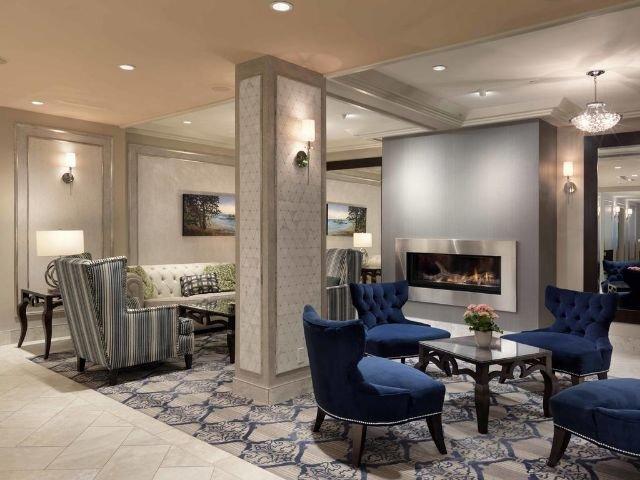 Chateau Victoria Hotel & Suites - lounge