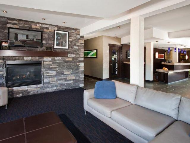 Sandman Hotel & Suites - lobby