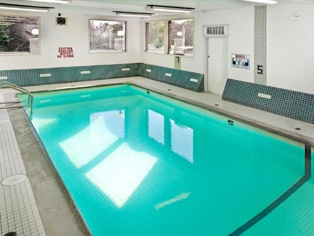 Sandman Hotel & Suites - zwembad