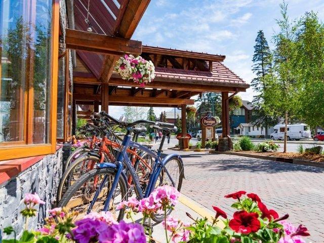 Banff Ptarmigan Inn - vooraanzicht