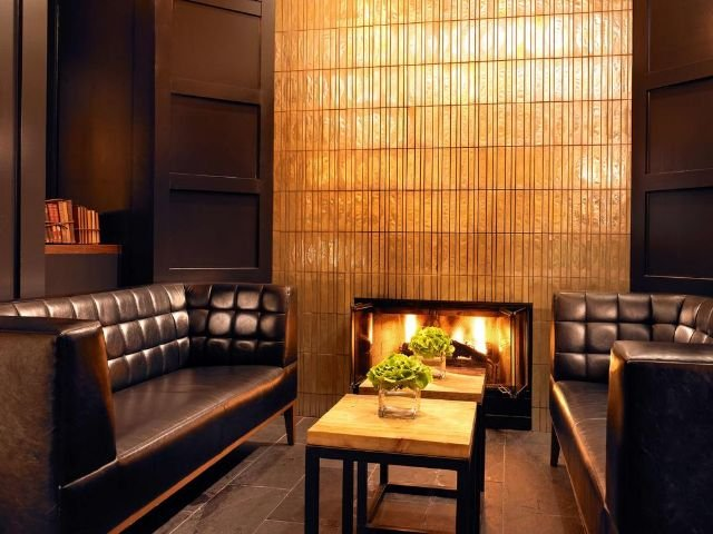 The Park Central - lounge