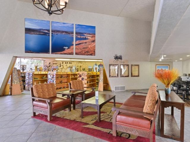 Quality Inn at Lake Powell - lobby