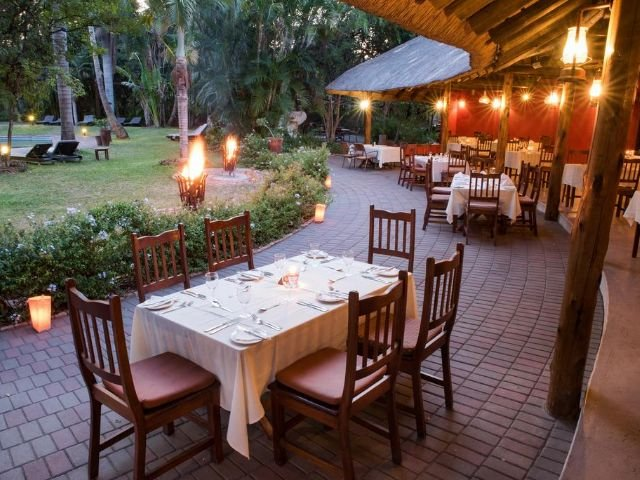 sefapane lodge and safaris - restaurant