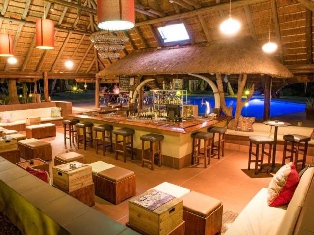sefapane lodge and safaris - bar