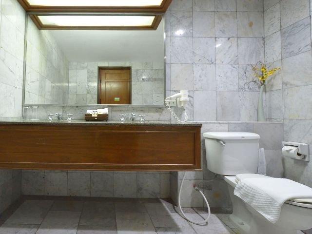 amari loei palace hotel - badkamer