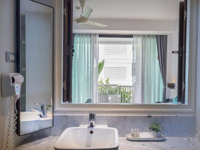loligo resort - badkamer
