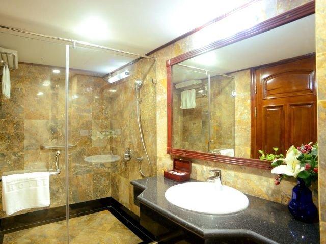 thien thai hotel - badkamer