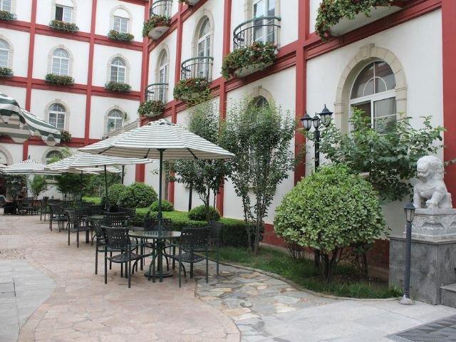 Dong Fang Hotel - terras