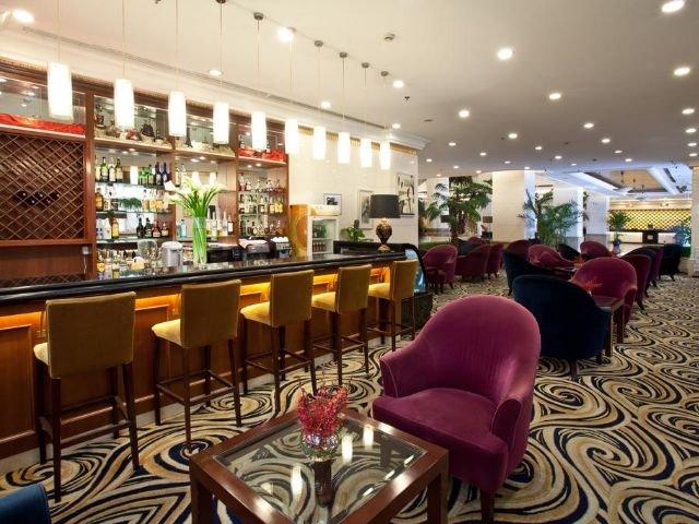 Golden River View Hotel - bar