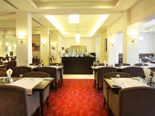 Grand Palace Hotel - restaurant