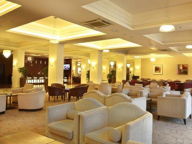 Grand Palace Hotel - lobby