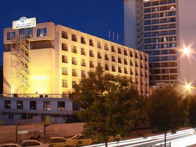 Grand Palace Hotel - vooraanzicht