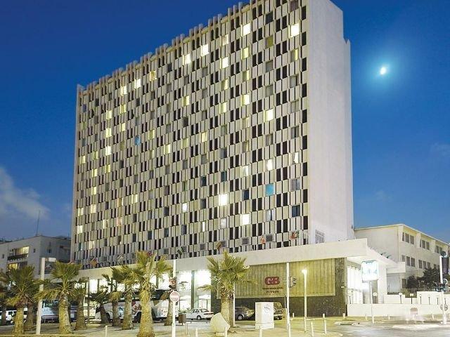 Grand Beach Hotel - vooraanzicht