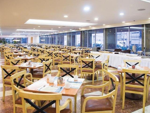 Grand Beach Hotel - restaurant