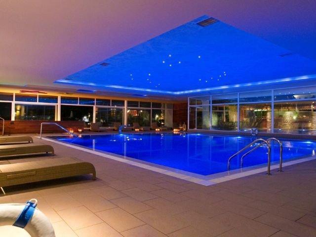 Petrovac - Hotel Palas **** - binnenzwembad