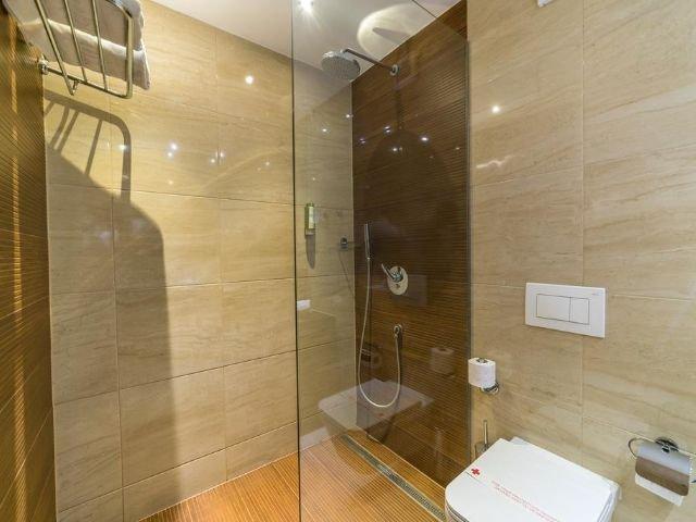 Mostar - Hotel City **** - voorbeeld badkamer